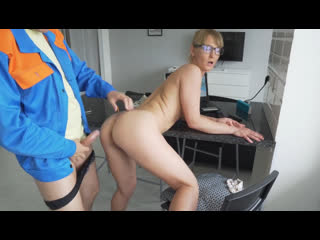 Приключения сантехника(любительское порно), 18+