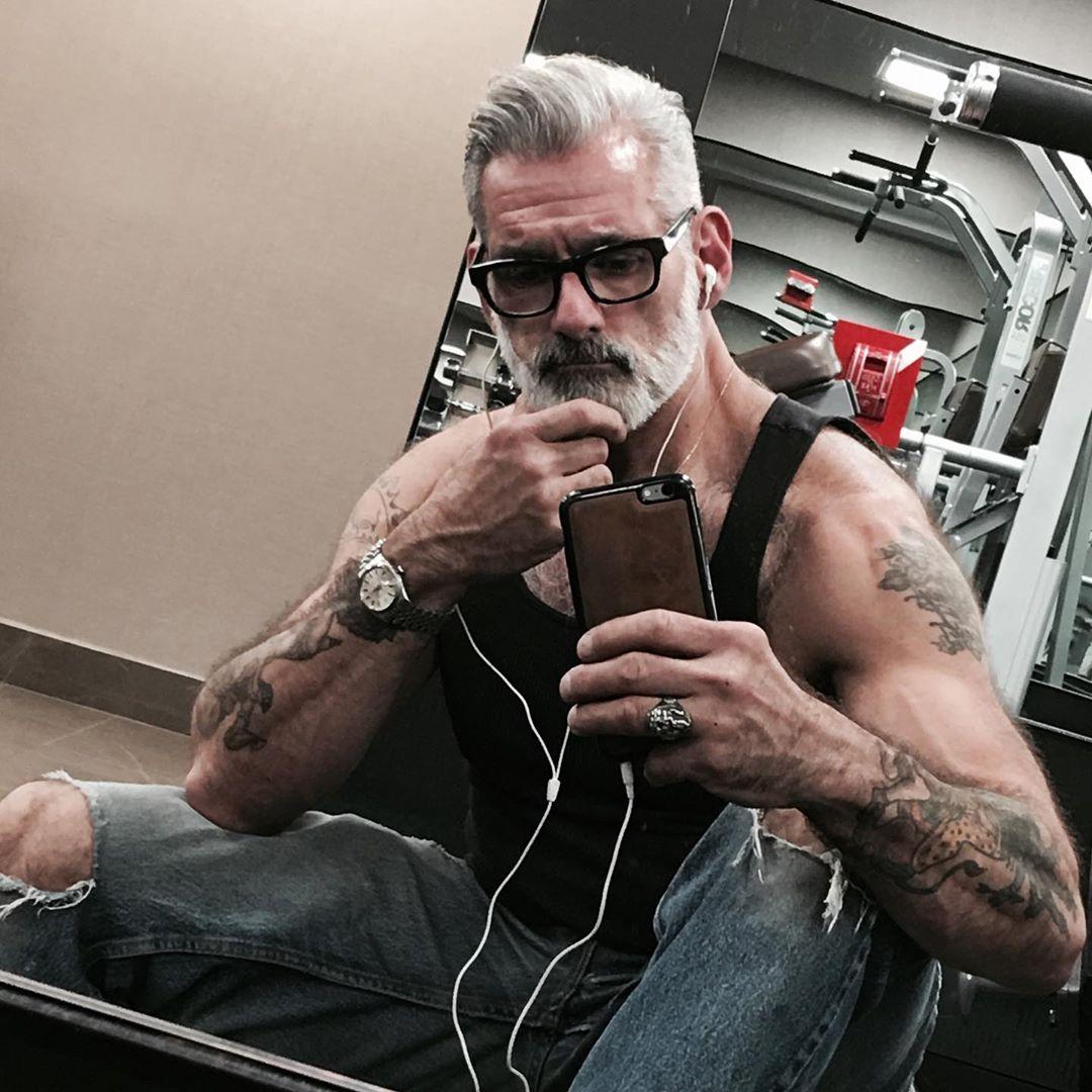 Энтони Варреччиа в 54 года даст фору любому