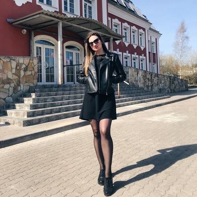 Юлия Август