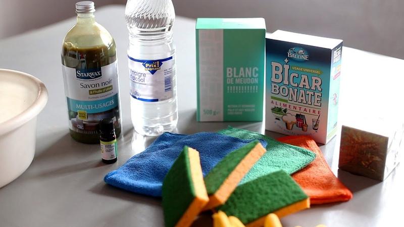 Produits ménagers faits maison avec bicarbonate savon noir